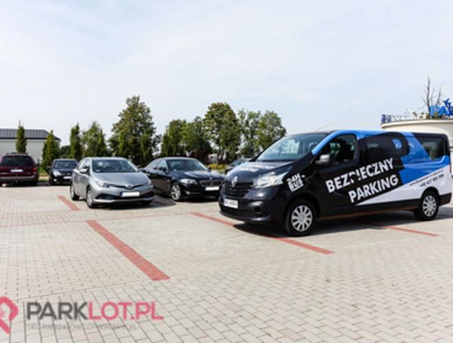 zdjęcie Bezpieczny Parking parking Модлин