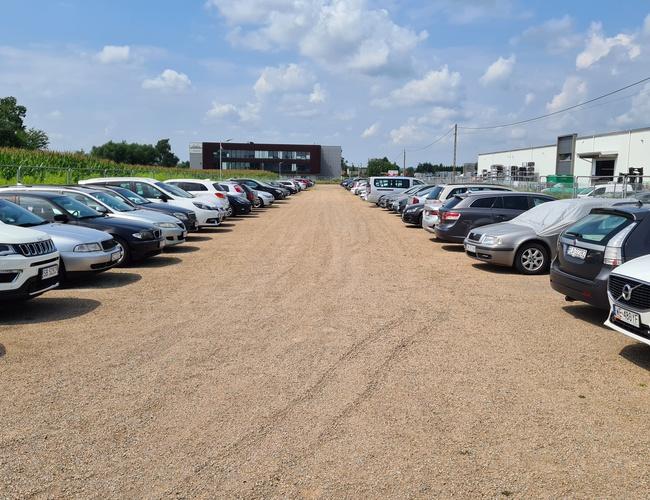 zdjęcie B1 Parkování parking Balice
