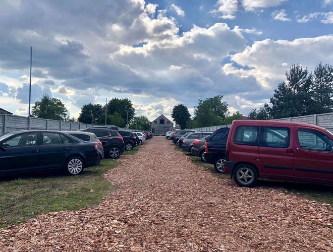 zdjęcie Na Wylocie parking Pyrzowice