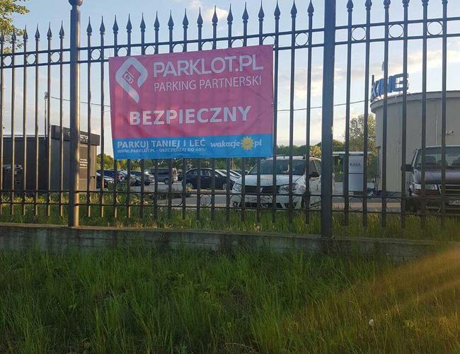 zdjęcie Bezpieczny Parking parking Modlin