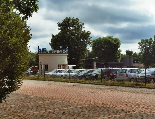 zdjęcie Tani i Bezpieczny parking Modlin