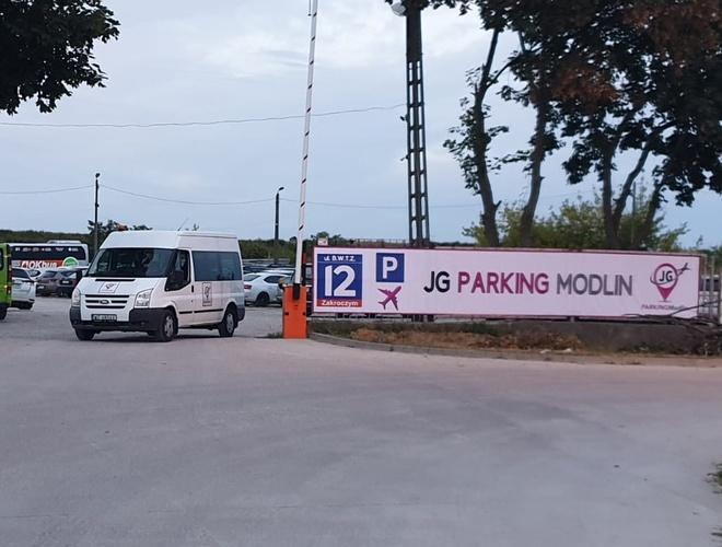 zdjęcie JG Parking parking Модлин