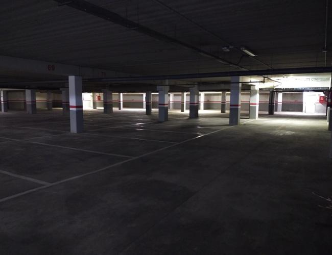 zdjęcie Valencia Congress Hotel parking parking Valencia