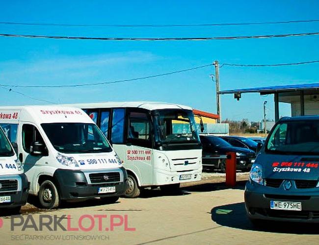 zdjęcie Szyszkowa 48 parking Okęcie