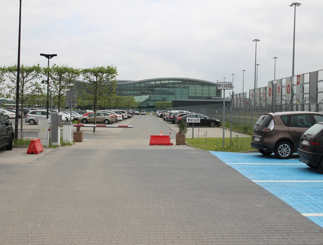 zdjęcie Официальный аэропорт parking Wroclaw